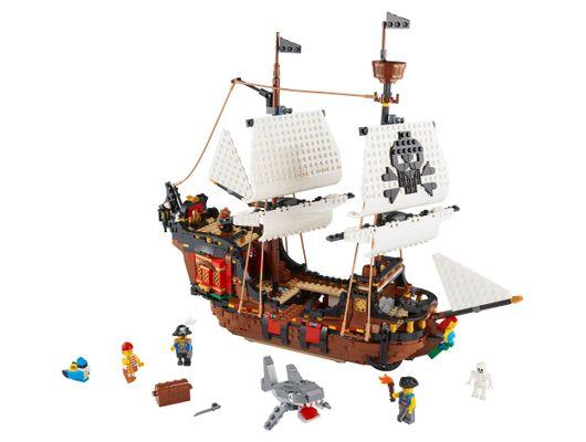 lego_31109_creator_3_in_1_barco_pirata_01