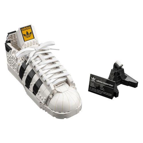 lego_10282_adidas_originals_superstar_01